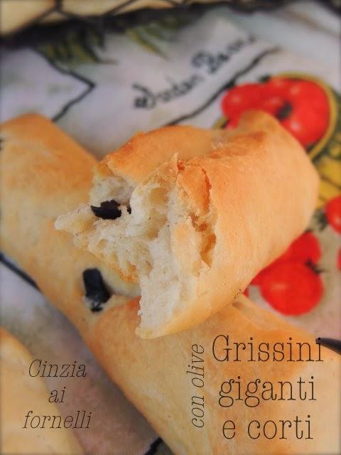 grissini con olive nere