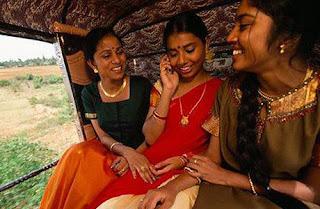 Wanita Jomblo India Dilarang Pakai Ponsel