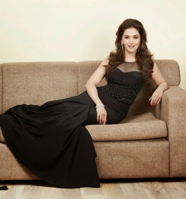 Madhuri Dixit Hot HD Wallpaper Free Download