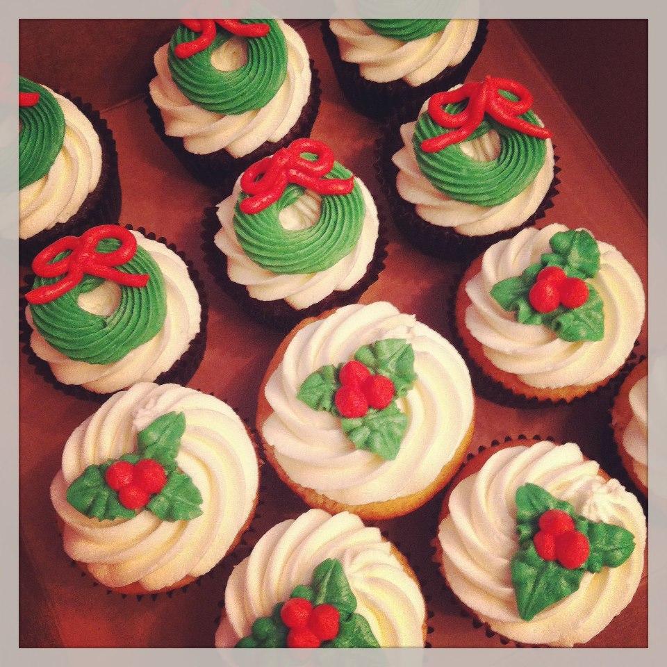 Vanilla Snowman Cupcakes With Vanilla Icing Recipe — Dishmaps