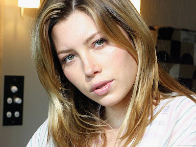 Hollywood Actress Wallpaper-Jessica Biel-904-1600x1200