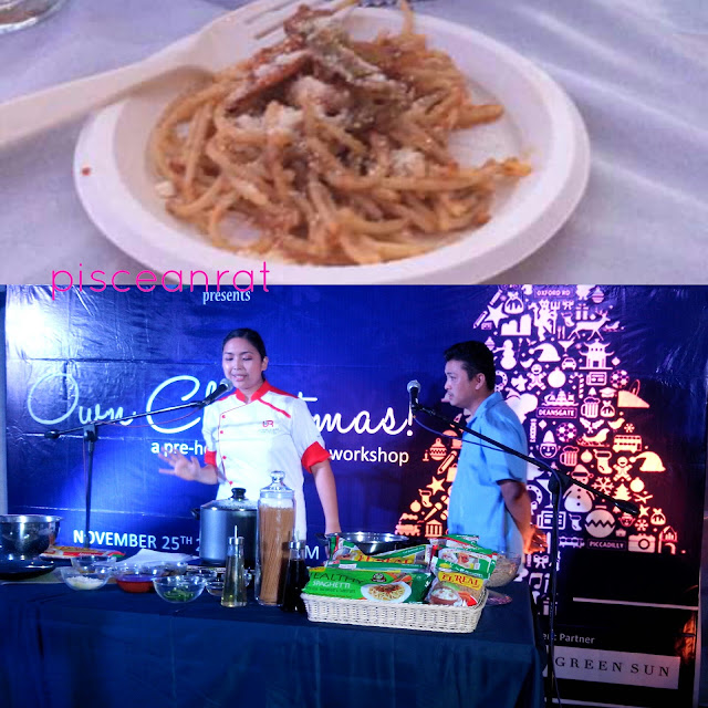 El Real Spaghetti cooking demo. We also had a free taste... charap!