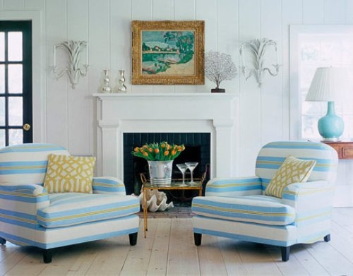 Coastal style 5 decorating tips for beach house style for Beach cottage style living room furniture