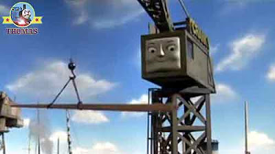 Thomas and friends Cranky the dockyard crane loaded A wooden boat mast on the railway truck flatbed
