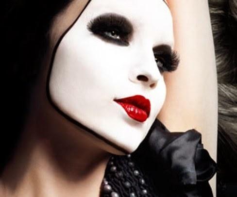 tambin les anexo unos videos de tutoriales de disfraces con maquillaje