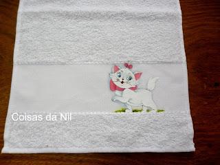 """""""toalhinha com gata marie, pintura tecido"""""""