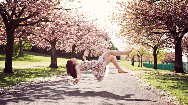 Sakura Girl Who Loves to Levitate