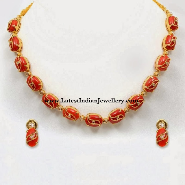 Contemporary Coral Beads Necklace