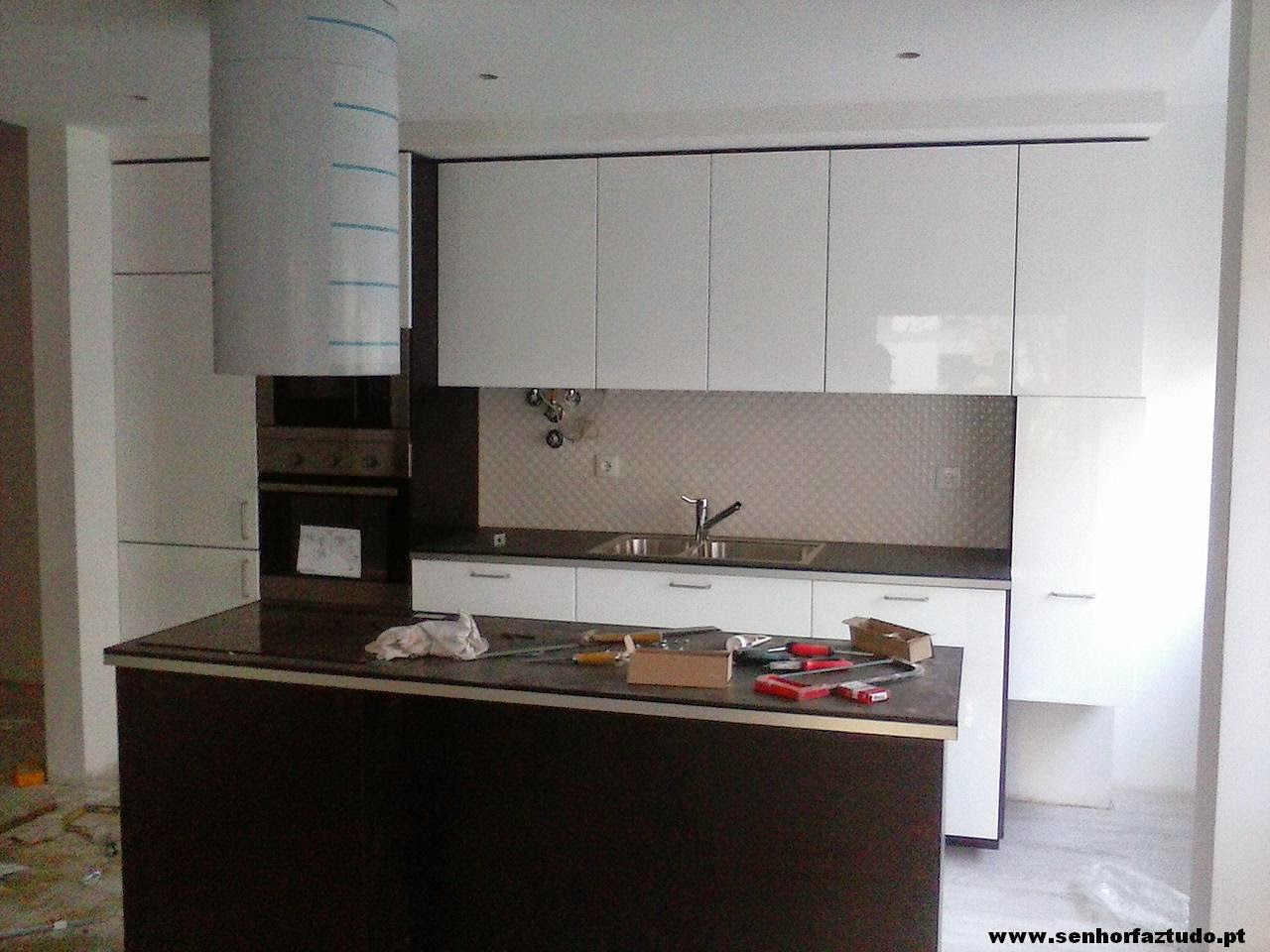 Montagem de cozinhas Ikea : Montagem de uma cozinha Ikea em Benfica #604A3D 1280 960