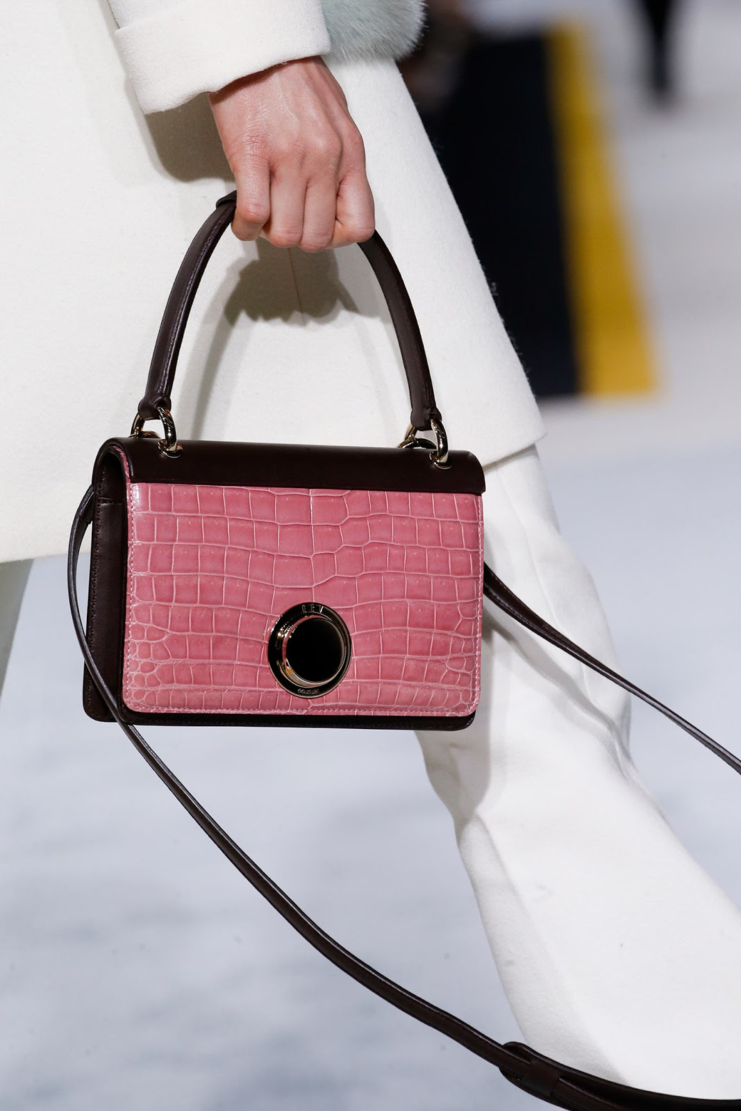 Fall 2015 accessories trend report / best bags / investment bags / crocodile accessories trend at Giambattista Valli Fall/Winter 2015 via fashionedbylove.co.uk, british fashion blog