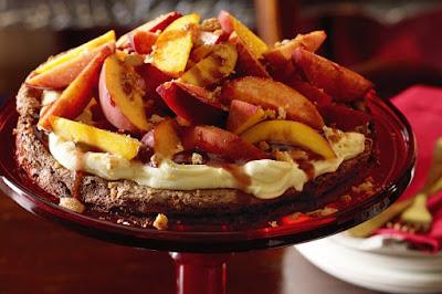 Chocolate and amaretti pavlova with peaches Recipe