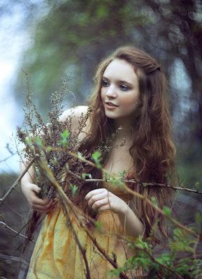 Retrato a una mujer bonita by Alexander Kuzmin