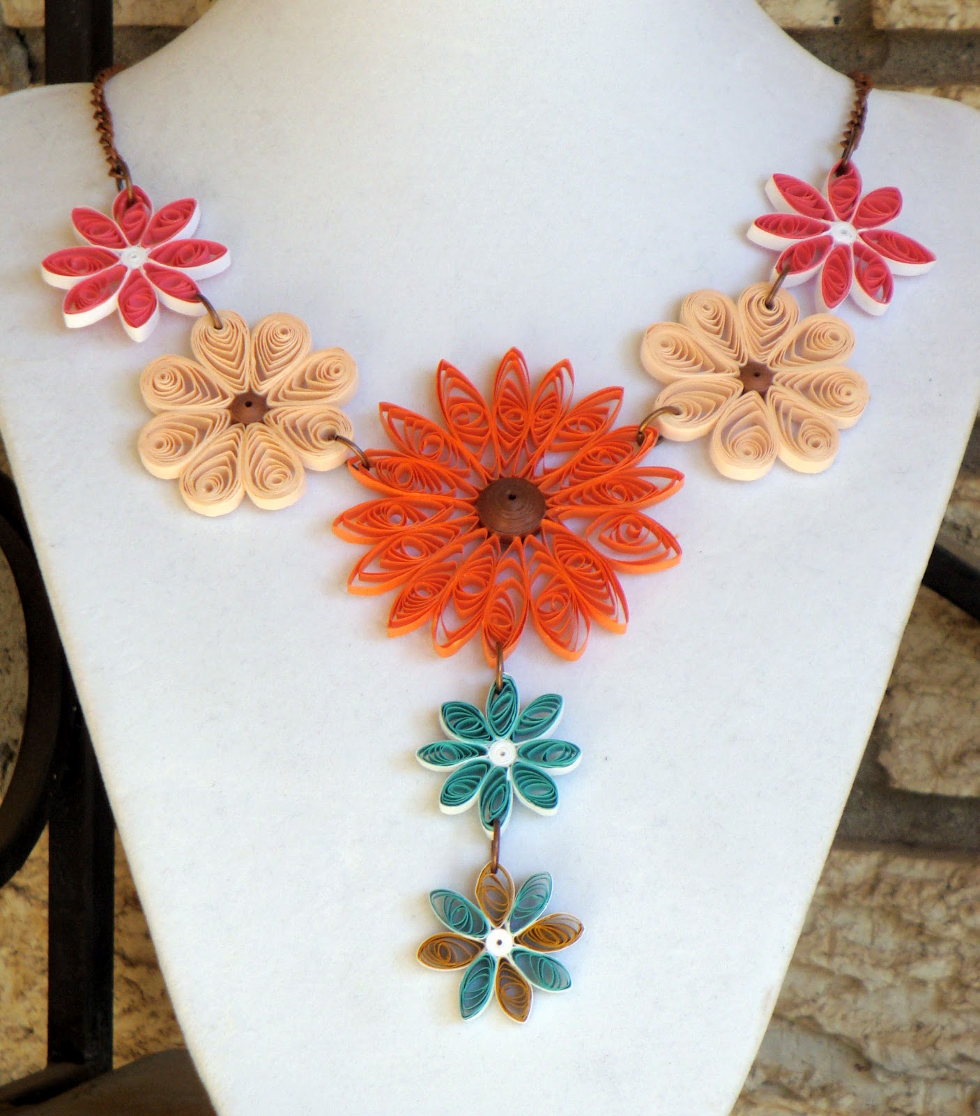 1000 ideas about paper jewellery on pinterest paper for Big quilling designs