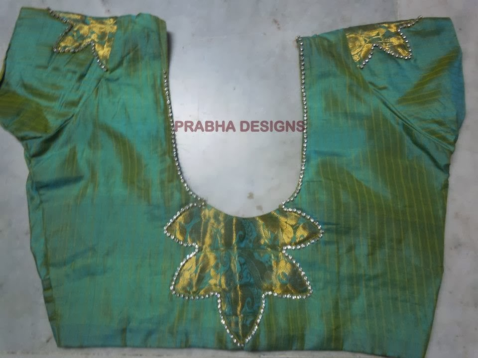STONE ATTACHED BLOUSE
