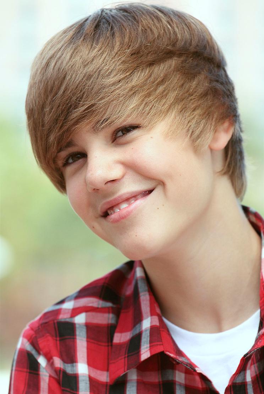 Megan Rossee Justin Bieber New Hairstyle