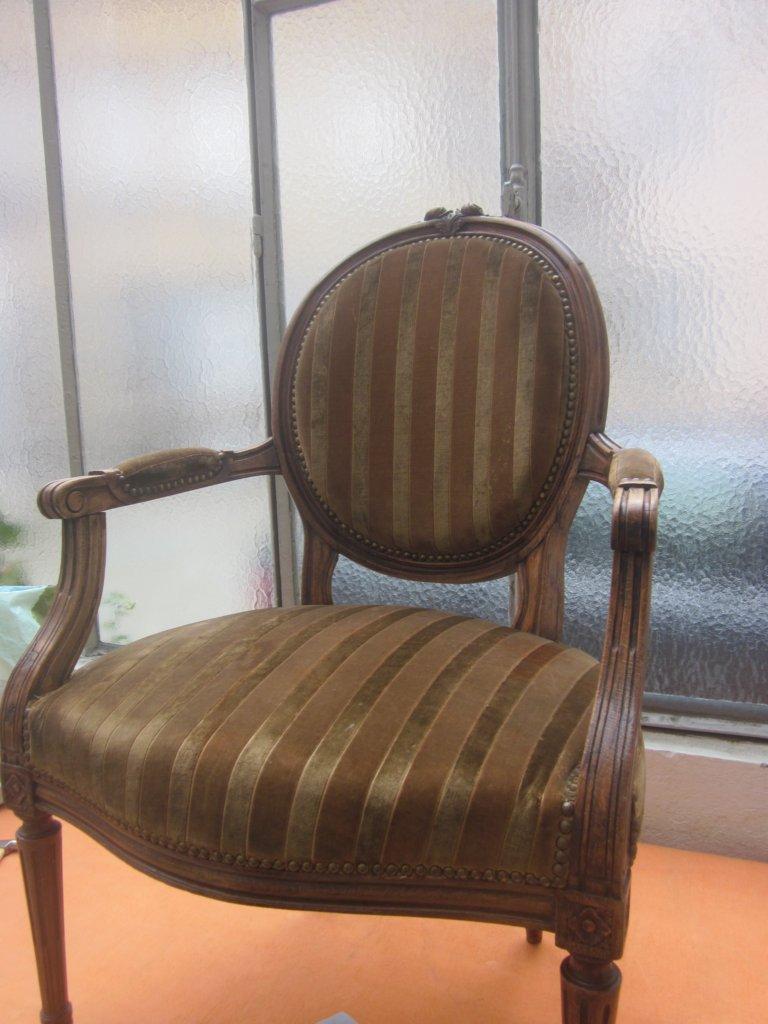corine kern tapissier cabriolet louis xvi. Black Bedroom Furniture Sets. Home Design Ideas