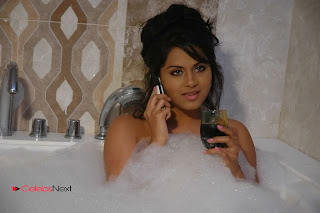 Tollywood Actress Rachana Mourya Spicy Stills in Tub 0008