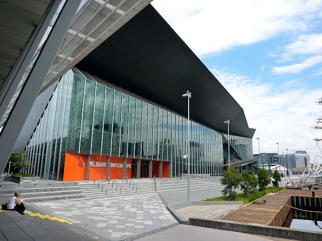 04-Melbourne-Convention-and-Exposición-Centre-por-Woods-Bagot
