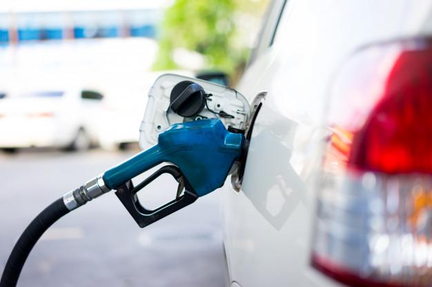 Pilih Mana Premium Atau Pertalite Untuk Mobil Lawas?