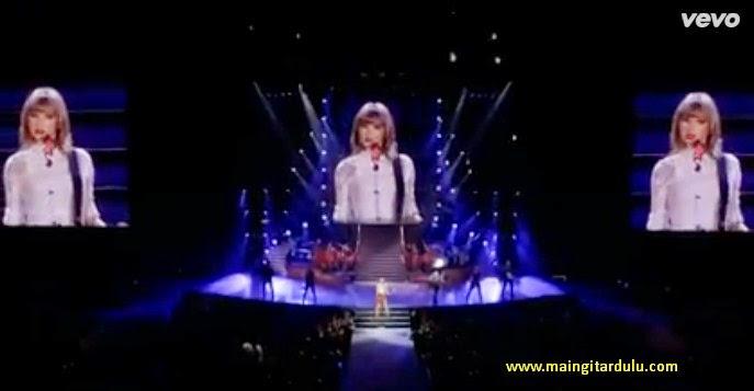 Lirik Lagu dan Kord Kunci Gitar Red - Taylor Swift ...