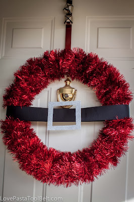 diy Santa wreath