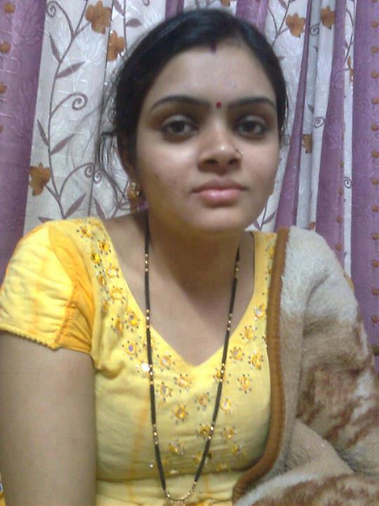 Hot Indian aunties Photos Saree Pics: Andhra Aunty