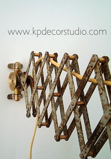 Comprar flexo-aplique-lampara vintage con brazo articulado bometal fabricado en Barcelona.