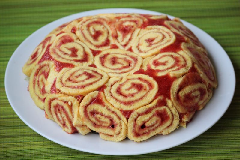 deser z jabłkami i galaretką
