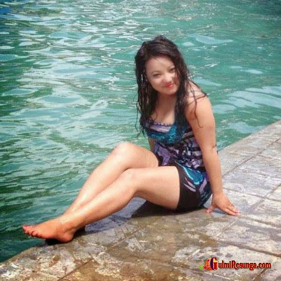 hot-jyoti-magar-swimming-naked