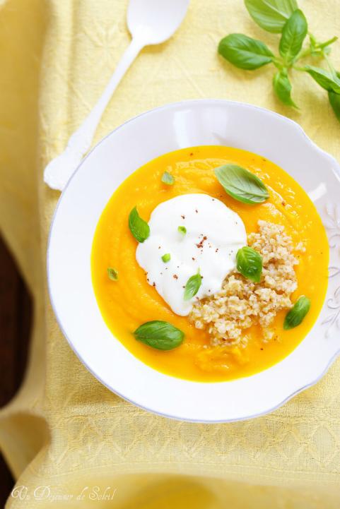 Velouté froid de carottes, oranges, yaourt et boulgour