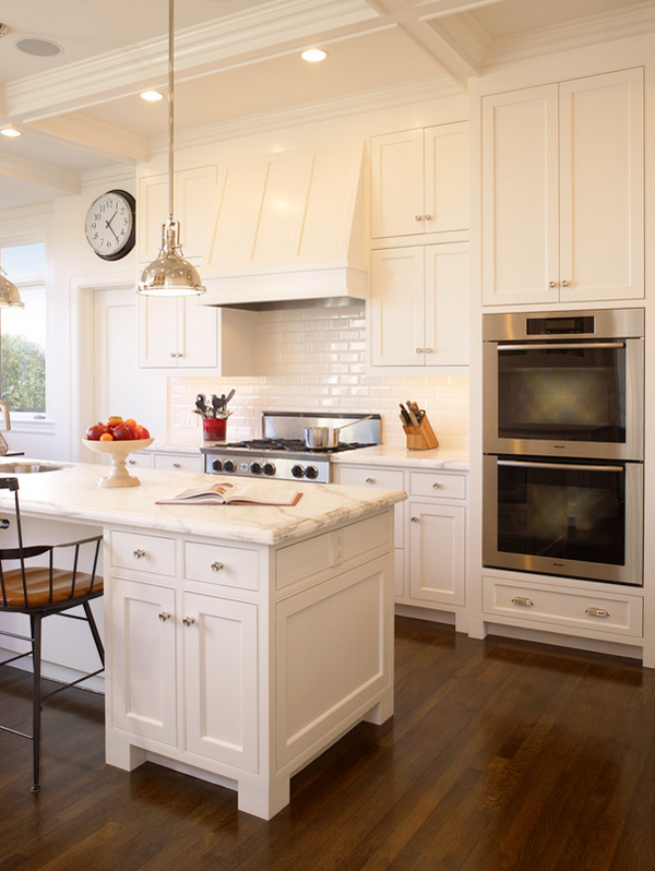 classic kitchen // cabinet paint color: Sherwin Williams Dover White