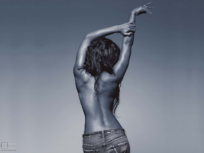 00310 >Kelly Rowland Topless par Derek Blanks