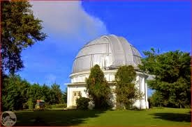 http://vilaistanabungavilage.blogspot.com/2014/10/observatorium-bosscha-lembang.html