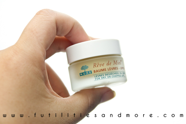 NUXE REVE DE MIEL LIPBALM REVIEW PICTURES BEAUTY BLOG ASIAN FUTILITIESANDMORE-9