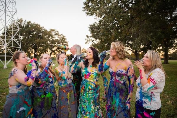 Shelby Swink destrói o vestido de casamento após ser abandonada pelo noivo