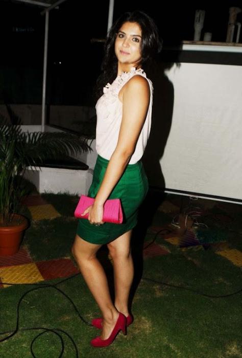 deeksha seth in skirt latest photos