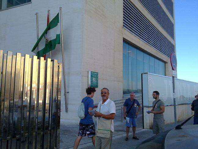 [Málaga]Solidaridad con los trabajadores encerrados del Puerto de Málaga 140820132964