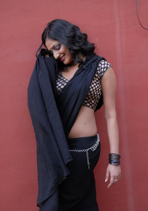 hari priya new saree hot images