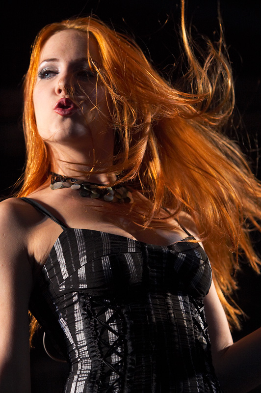 simone simons ladies sexy - photo #6
