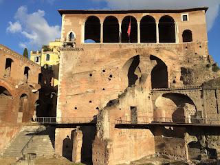 Forum de trajan facade - Rome
