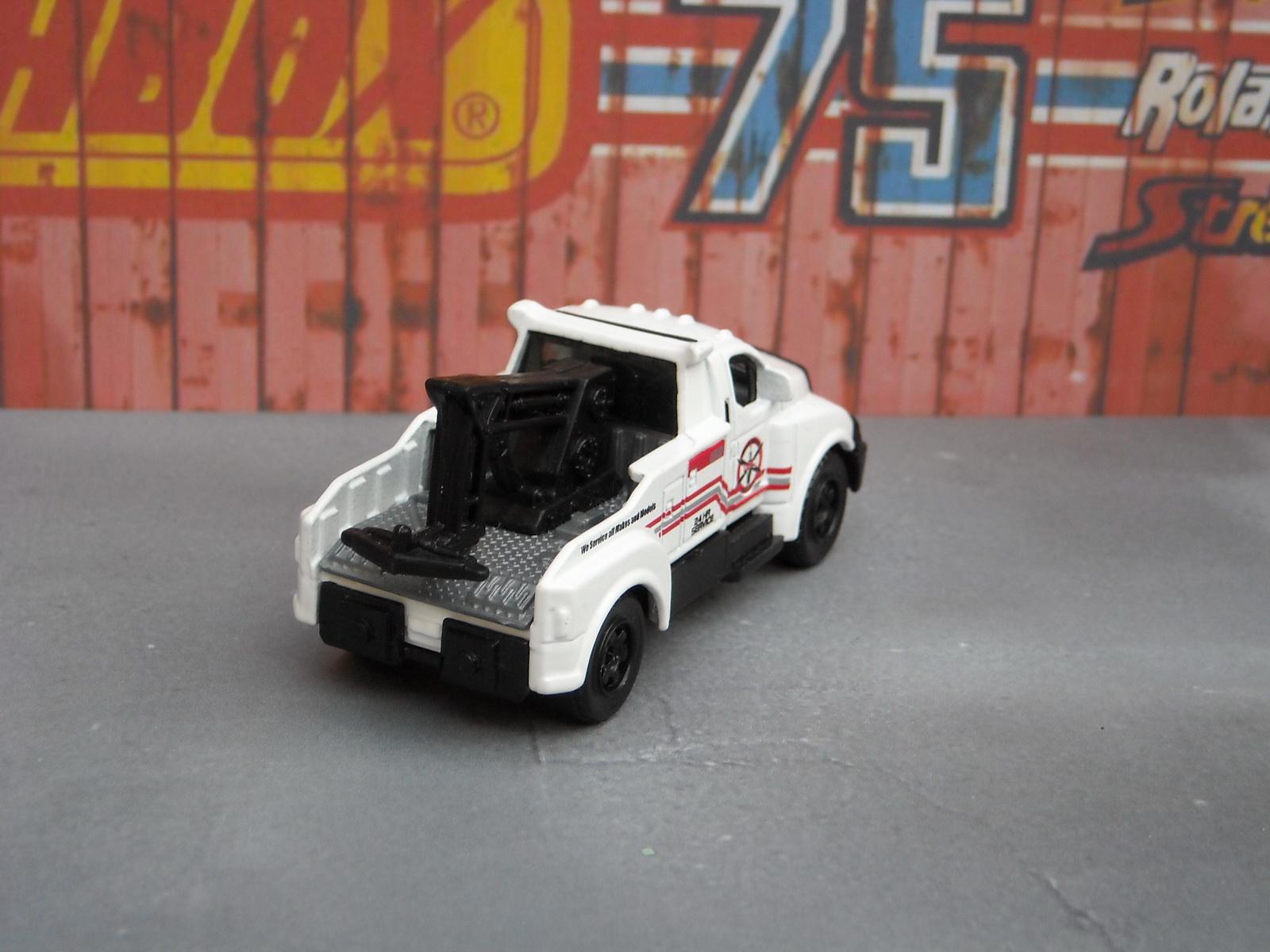 http://1.bp.blogspot.com/-dMo88i2eTWk/Tkq4NXGXM0I/AAAAAAAADsI/3s56WVVBsoM/s1600/matchbox_tow_truck_5.JPG