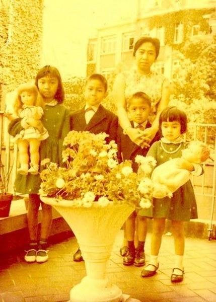 Perempuan Banten di Tanah Belgia (Ibunda Ikang Fawzi, Deplu-KBRI Brussels, Belgium, 1965)