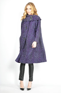 Vintage 1960's mod purple wool swing cape with large collar and black buttons.