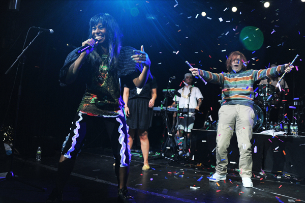 Santigold Samsung