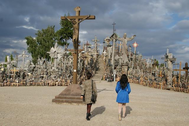 la-colina-de-las-cruces