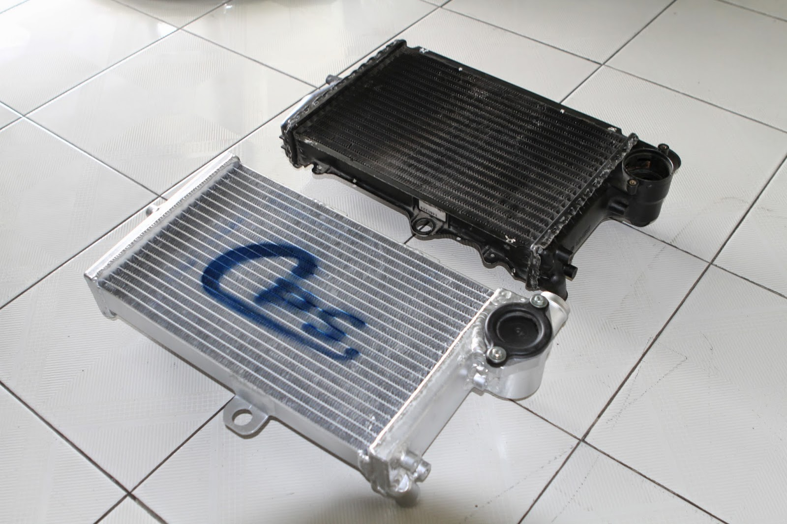 หม้อน้ำมอเตอร์ไซค์ บีเอ็มดับเบิ้ลยู BMW motorcycle radiator