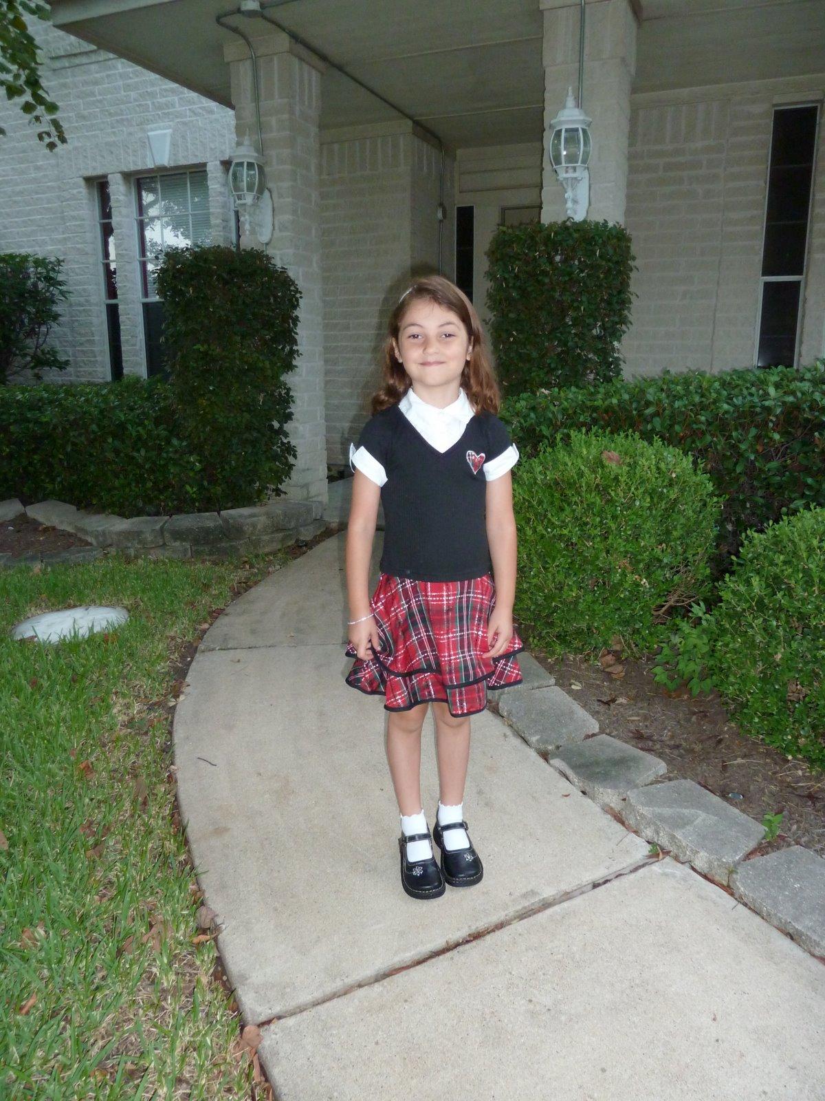 kindergarten girl pee Keyword Images