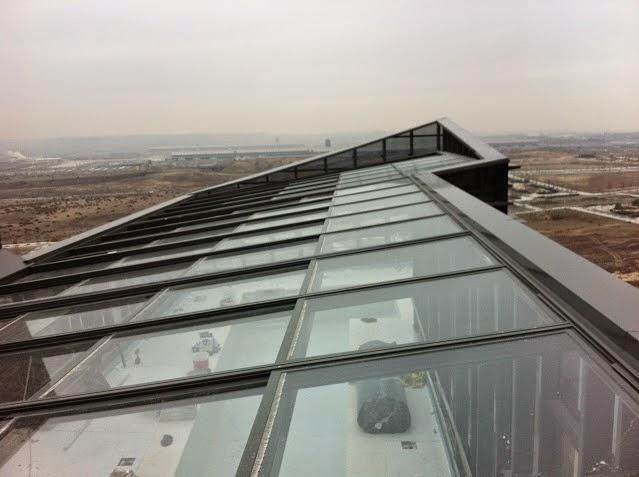 Porche de techo de vidrio cerramientos y cubiertas para for Cerramientos aluminio precios