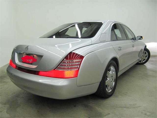 Luxury cars in dubai cars n bikes for Dubai luxury