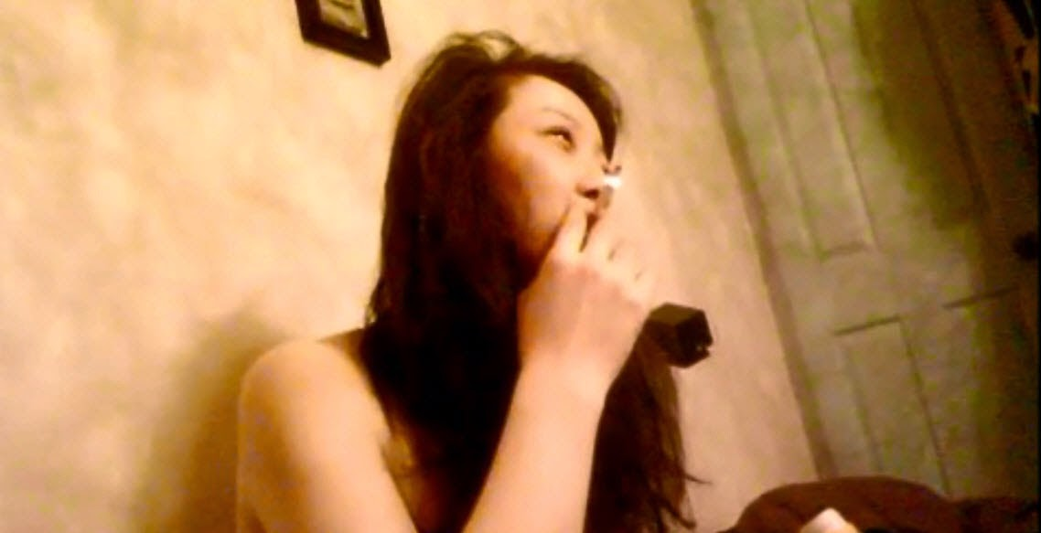 Wild Asian Bitch Smoke Before Sex